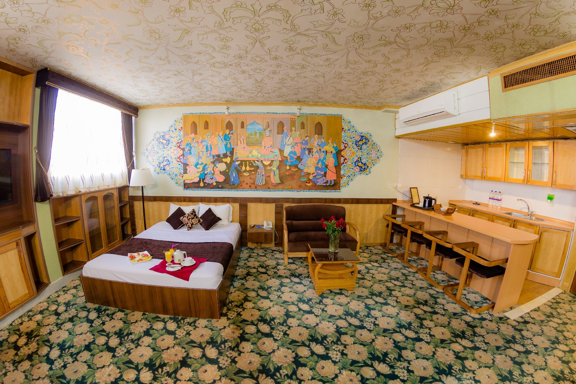 Suite Room Isfahan Hotel